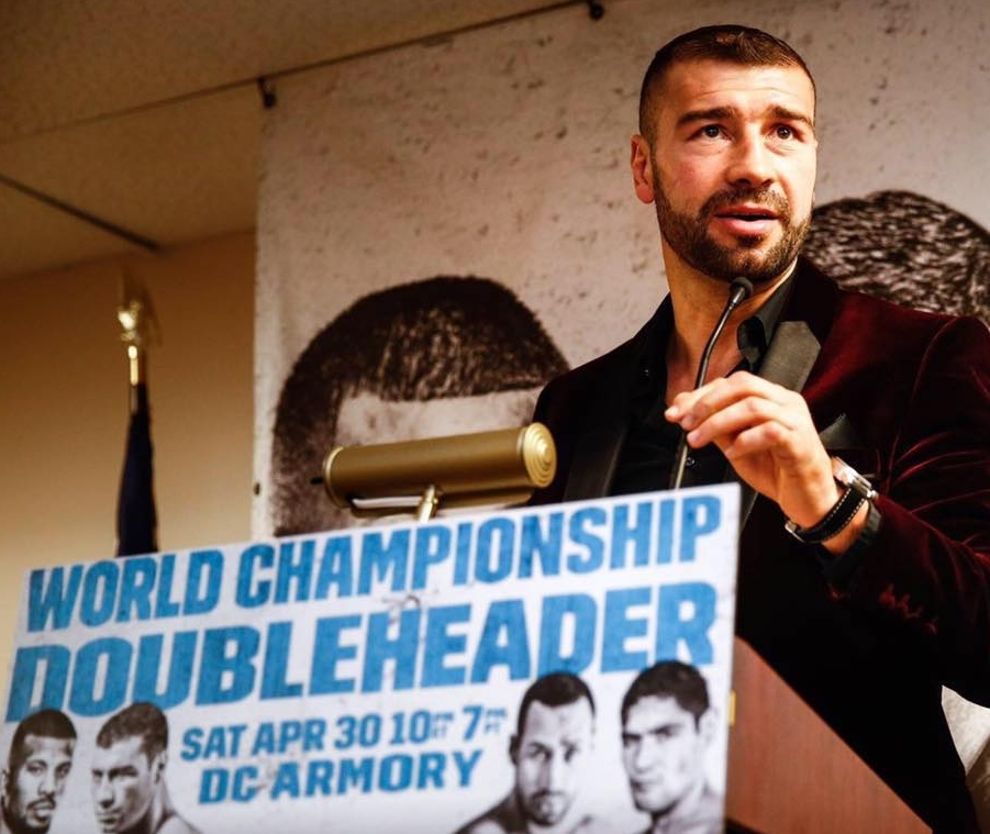 Lucian Bute au micro à Washington